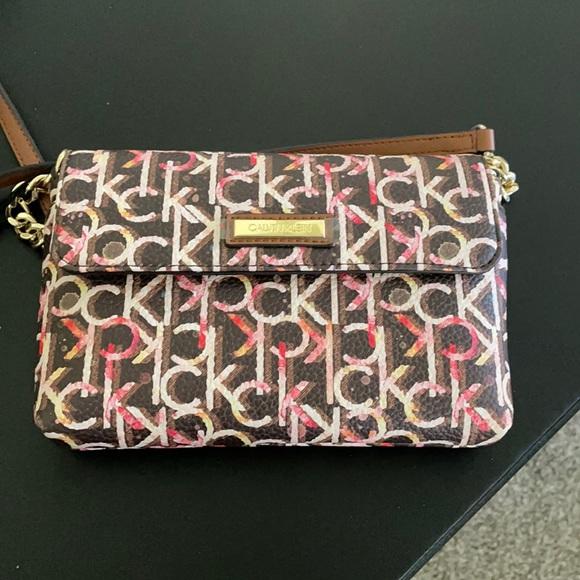 Calvin Klein 🌸🌸crossbody purse 😍😍